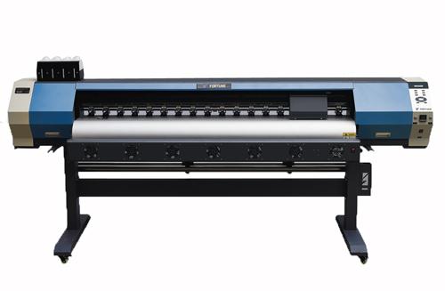 深圳荣发广告新添一台YF-1700X写真机